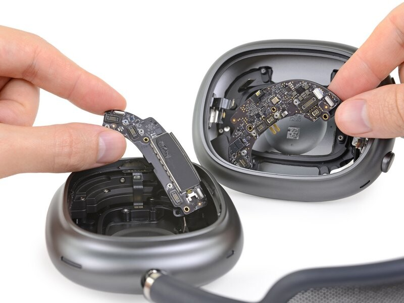 iFixit AirPods Max
